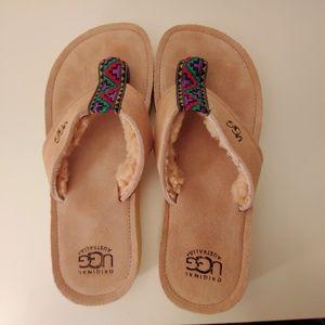 UGG sandle flip flops men or womans aztec